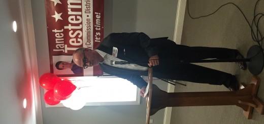 Knoxville Businessman Eddie Mannis introduces Testerman