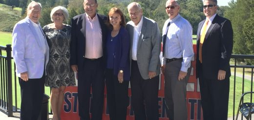 Dr. Julian Ahler, Mrs. Marilyn Calfee, State Representative Kent Calfe, TN Speaker Beth Harwell, Mr. Jerry Turbyville, Roane County Executive Ron Woody and Roane Alliance CEO Wade Creswell at the Oak Ridge Country Club event on October 6, 2016.