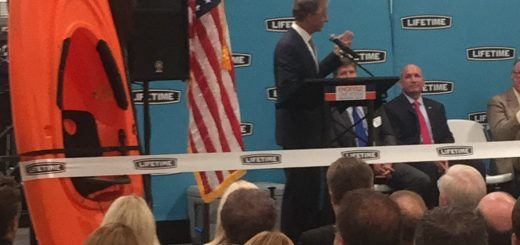 TN Governor Bill Haslam welcomes Lifetime to TN and Knox County