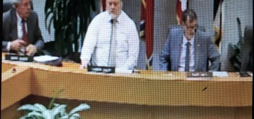 David Buuck far left providing counsel to the Knox County Commission Rules Committee last Monday